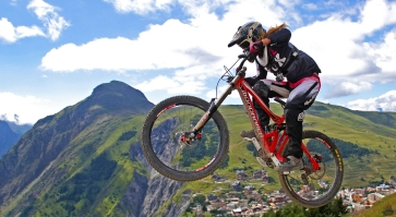 Claudia Clement Downhill Mountain Bike at Diable - Les 2 Alpes, MTB, bikepark, bike , mondraker summum