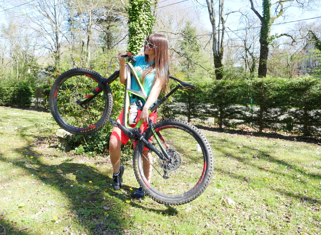 Claudia Clement bike specialized